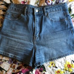 Size 27 forever 21 denim shorts high rise